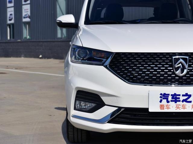 上汽通用五菱 宝骏360 2019款 1.5L CVT基本型
