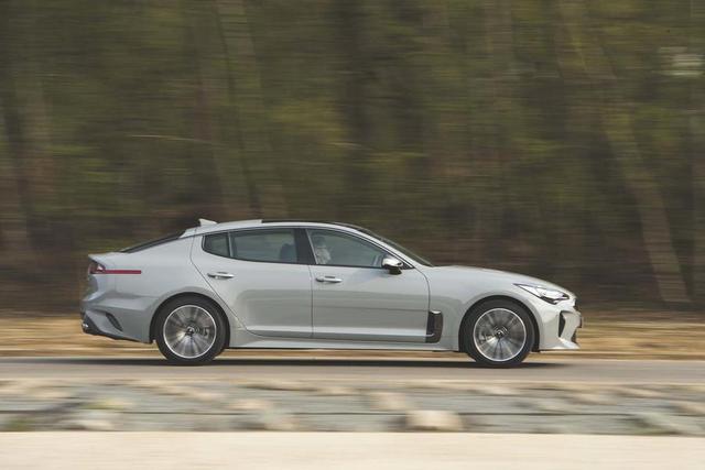 不仅是加速和操控——四款另类高性能车的巅峰对决