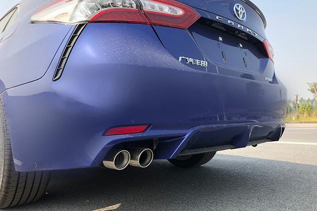 增独有深蓝色车漆 凯美瑞双擎运动版实车曝光