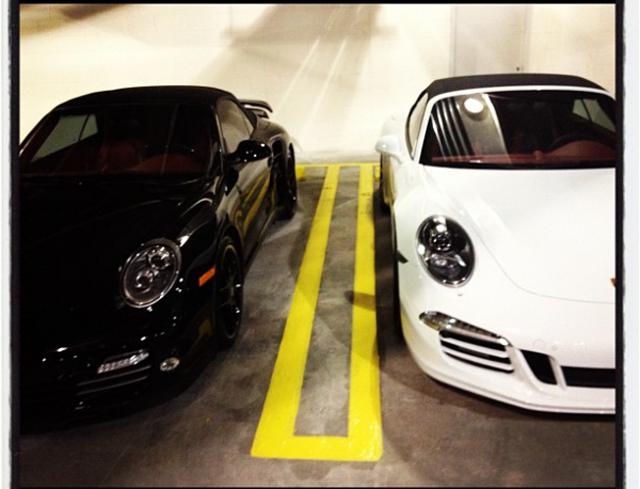 991bf_白色的991卡雷拉s敞篷车或许是韦德车库中最便宜的一辆了