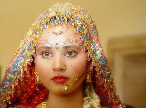 女人创业_趣味猜猜看 美丽的印度女子为什么要穿鼻环_旅游综合新闻_大成 ...