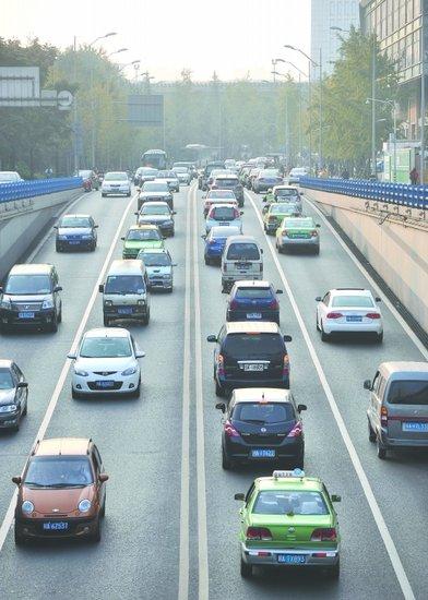成都市政风行风热线_成都滨江路或将实施单向交通 减高峰交通压力_大成网_腾讯网