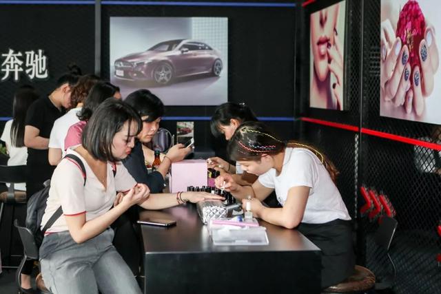 """""""2019全新梅赛德斯-奔驰长轴距A级轿车西区产品体验日""""成都站活力开启"""