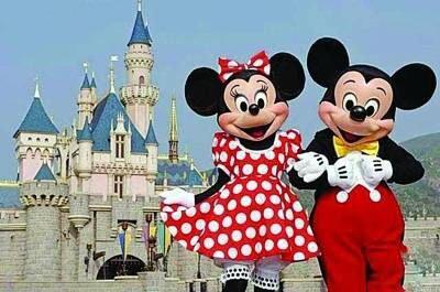 香港迪士尼四年来首次亏损 裁员超百人?