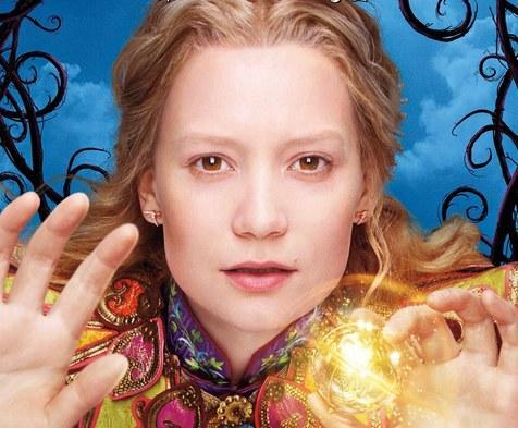 《爱丽丝梦游仙境2》发新海报:蓝蝴蝶亮相