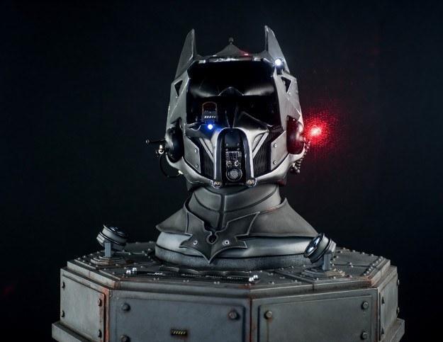 《蝙蝠侠》牵手《星球大战》推超酷头盔