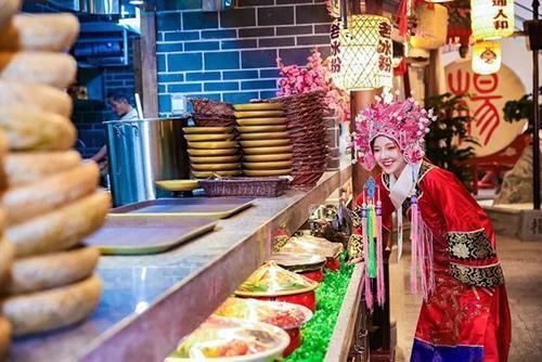 重庆味道的江湖菜,得吃火爆了70年的杨记隆府!