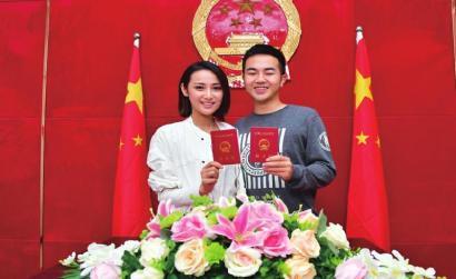 """九龙坡区民政局婚姻登记处""""新装""""亮相"""