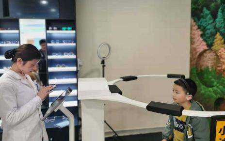 西南地区首家3D打印定制眼镜医院,爱尔个性诊疗方案助力孩子明眸一生