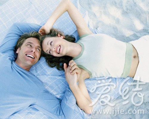 男人喜欢女人撒娇_大揭秘!男人最爱的枕边呢喃_大渝网_腾讯网
