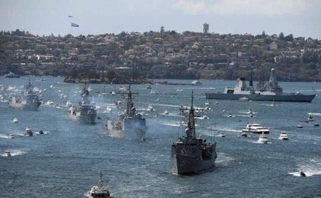2005年6月,为纪念特拉法尔加海战200周年,近40个国家的上百艘船在英国参加主题国际舰队检阅