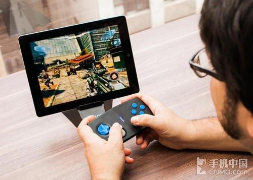 ipad怎么看av_gameloft打造 duo gamer ipad游戏手柄