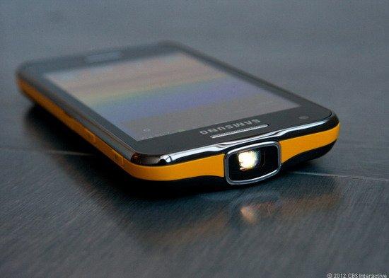 三星手机媒体耗电_三星怪异手机盘点:曲面屏/相机身/内置投影仪_数码_腾讯网