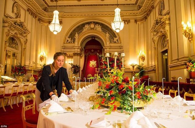 国宴�9ce_白金汉宫奢华国宴之旅 揭秘女王宴会细节