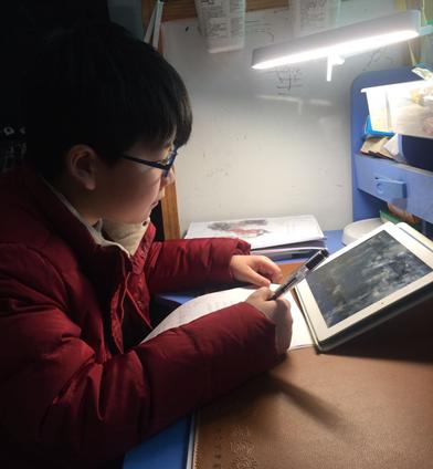 """揭秘武汉""""空中课堂""""的幕后故事 用7天承载起90万孩子的在线学习"""