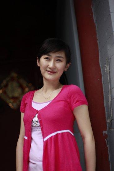 华娱情se_时代华娱签约新艺人 《侦探小说》开年大戏播出
