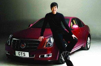 刘翔代言的凯迪拉克汽车高清图片