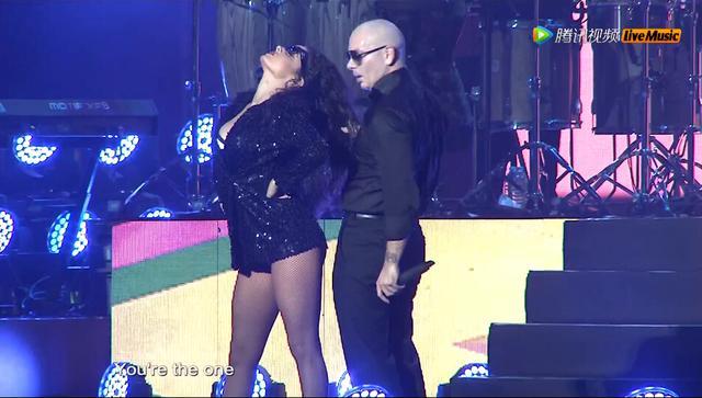 pitbull演唱会_Pitbull经典串烧一小时梅赛德斯中心成舞池_娱乐_腾讯网
