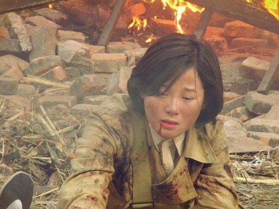 演员谷智鑫和王雷_刘滢《战火西北狼》危险重重 戏里惨遭活埋_娱乐_腾讯网