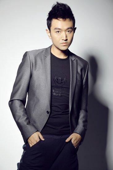 北京青年何东_《新青年》热拍 刘向京首度演绎革命高级将领_娱乐_腾讯网
