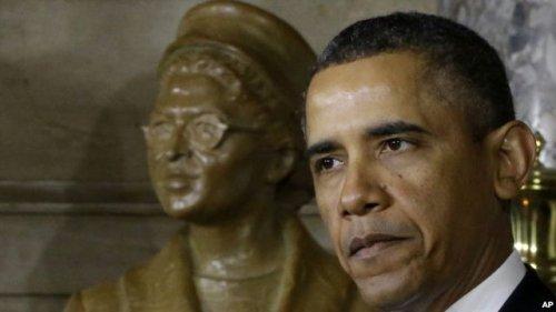 美国黑人民权�9b�_奥巴马在国会大厦为美国黑人民权先驱塑像揭幕