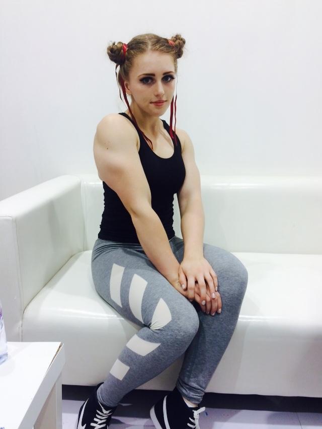 姐姐的小嫩穴添蛋小萝莉_专访俄罗斯肌肉萝莉:我比李狗蛋更可爱
