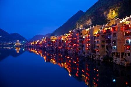 贵州省长孙志刚:旅游业逐步成为贵州支柱产业