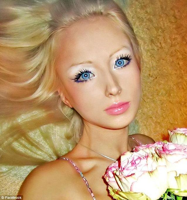 乌克兰露天浴场_乌克兰美女捰体照片乌克兰露天浴场美女 乌克兰女人黑黑的毛 图片
