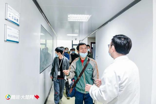 """百萬網友圍觀農田變""""聰明"""" 武漢打造""""農業硅谷"""""""