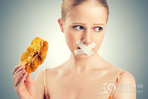 青年 女 面包 吃�|西 禁食 �z布_18630409_xxl