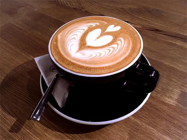 你知道嗎?用咖啡、牛奶服藥隱患多!