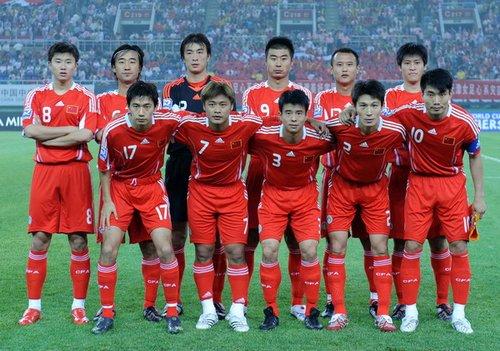 2002韩日世界杯排名_2002年:中国男足首次参加世界杯足球赛_新闻_腾讯网