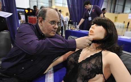 性爱欧美_世界首款性爱机器人问世 有真人般皮肤