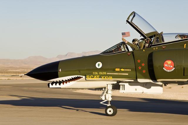 x31喷式战斗机_F-4战斗机曾坐拥16项世界纪录具备核打击能力_新闻_腾讯网