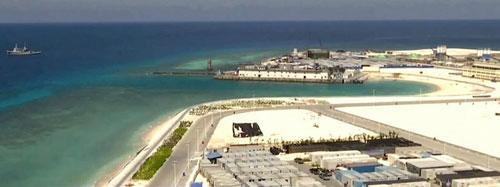 央視曝光南沙島礁施工現場 海上憑空現城鎮