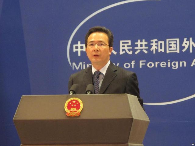 外交部:中国在南海建设有关岛礁合情合理合法