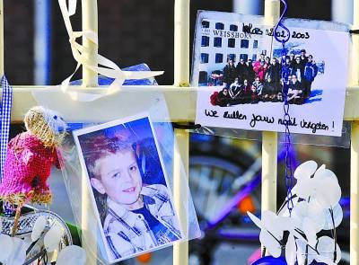 比利时载46名小学生客车出车祸 致22死24伤(图)