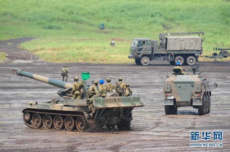 日本军事_组图:日本自卫队举行年度军事演习