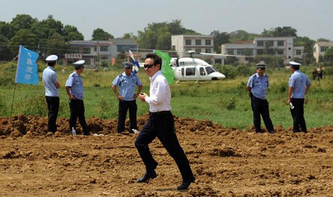 """长沙""""天空之城""""奠基时,远大科技集团总裁张跃很高兴"""