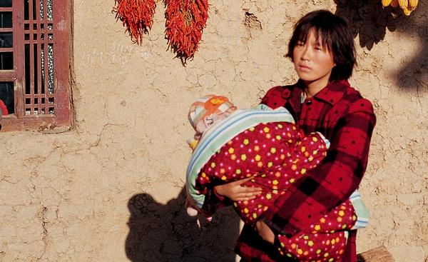 农村拐卖妇女电影黄色_贾平凹为何渴望一个拐卖妇女的农村能永续存在_侯虹斌_腾讯大家