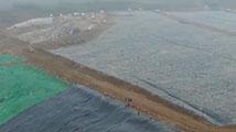 航拍国内最大垃圾填埋场将封场