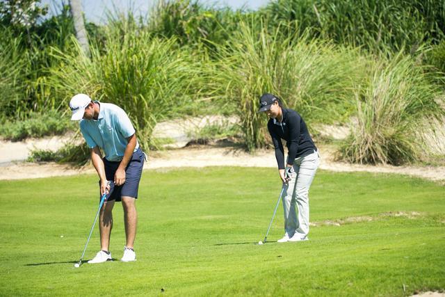 高尔夫中巡男女混合赛 中国女选手晋级关键在五杆洞