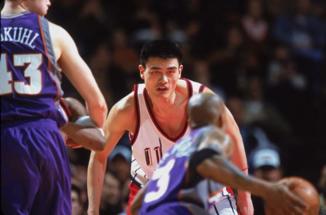 篮球队长李宇恩30图-马布里再为晃倒姚明致歉 没想到他... 多次对决(资料图)