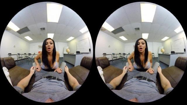 用VR看那種片子是什么感覺?反正有人把持不住了