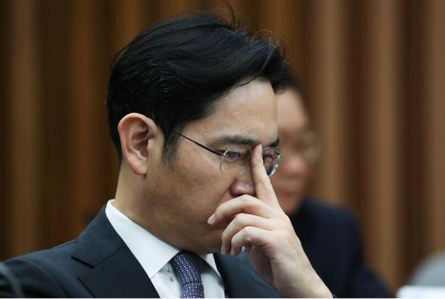 三星实际控制人李在镕遭检方质询 或与闺蜜干政丑闻相关