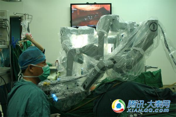 西京医院实施全国首例机器人直肠脱垂悬吊术