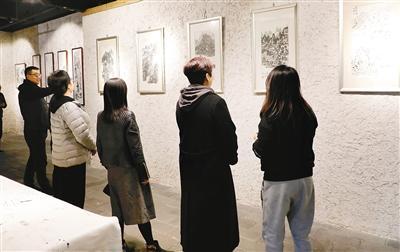 """艺术春日花似锦 """"古城三月好展多"""""""