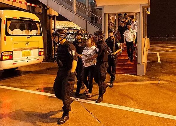 一口流利韩语的神秘女 曾被杭州警方上红色通缉令